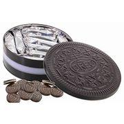 Классическое печенье с ванильной начинкой Oreo Tin 396 гр в подарочной банке (жесть), фото 1