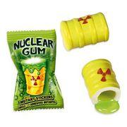 Жвачка Гигант Ядерный взрыв с начинкой клубника и наклейкой Fini 14 гр x 2 шт, фото 1
