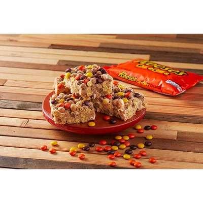 Шоколадное драже с арахисовой пастой в глазури Reese's pieces 43 гр, фото 3