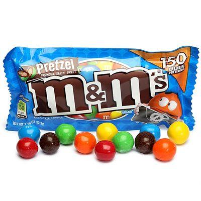 Драже молочный шоколад с крендельками M&M's Pretzel 32 гр, фото 2