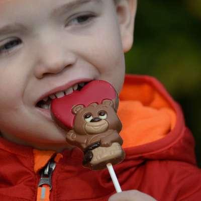 Фигурный молочный шоколад на палочке Медвежонок в корзинке Belfine 35 гр x 21 шт, фото 4