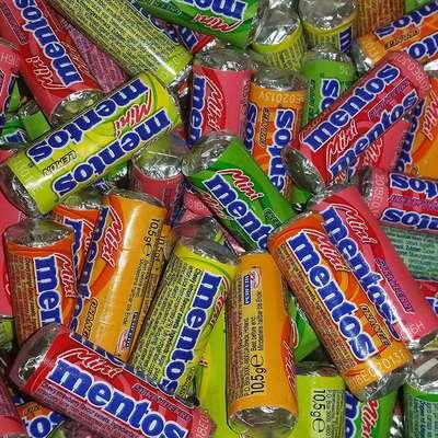 Жевательные конфеты Mentos Mini Fruit Mix 10,5 гр упаковка 70 штук, фото 2