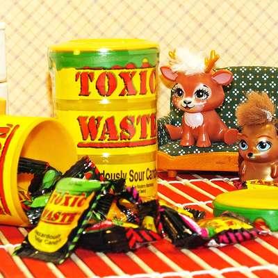 Самые кислые конфеты леденцы Toxic Waste желтая бочка 42 гр, фото 2