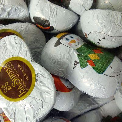 Шоколадные конфеты на развес Снеговики La Suissa 100 гр, фото 3
