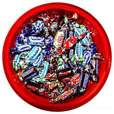 Подарочный набор Микс Шоколадных конфет Celebration Mars в банке 650 гр, фото 2